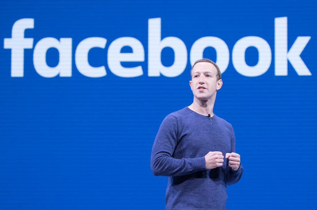 Amazon, Apple, Facebook sotto accusa