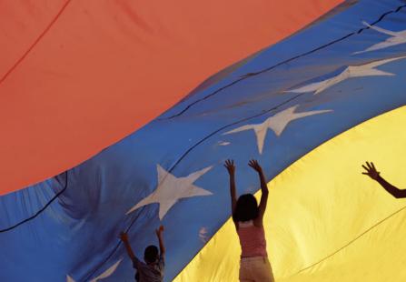 Venezuela: ufficializzato incontro tra Maduro e opposizione sotto ambigue spoglie
