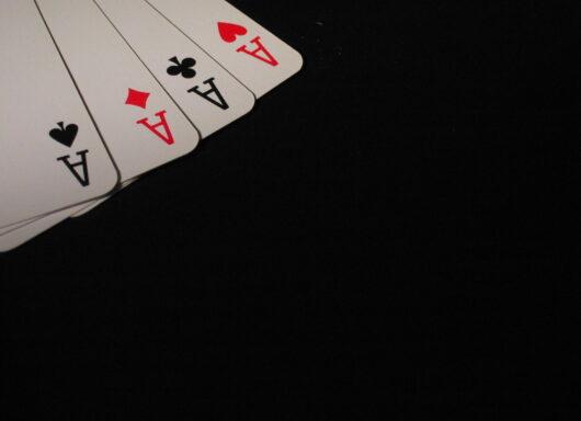 Cosa si può imparare dal poker negli investimenti?