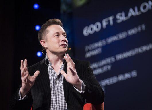 Elon Musk guadagna in 1 ora quanto un italiano in 1560 anni