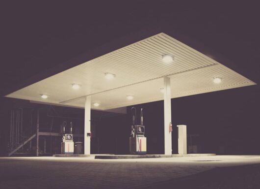 Regno Unito e le code per fare benzina: i motivi